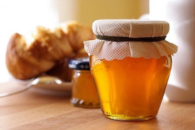Можно попробовать от кашля коньяк с медом