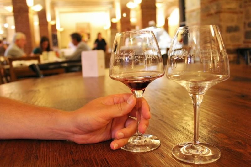 После ботокса необходимо отказаться от алкоголя на период до 10 дней.