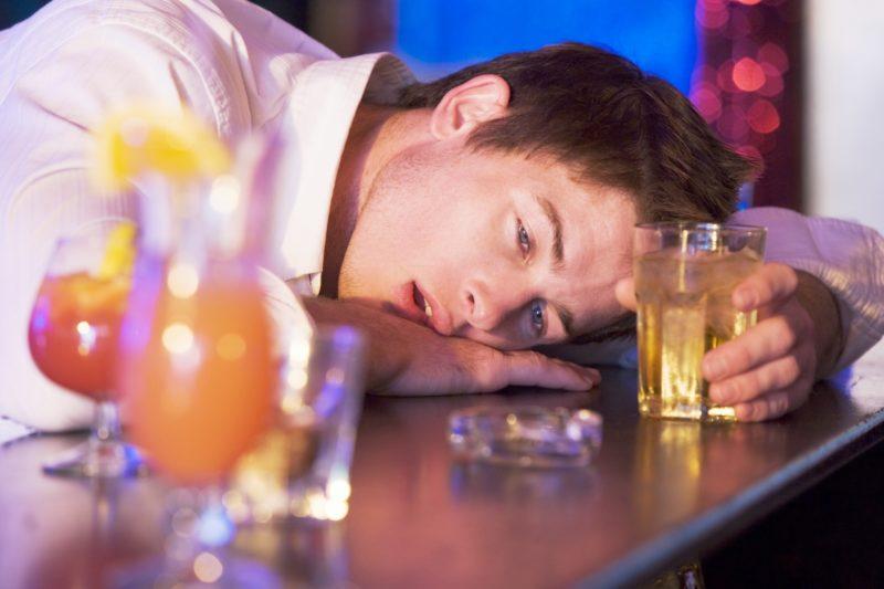 Алкогольное отравление и лечение в домашних условиях