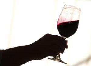 Красное сухое вино: каковы польза и вред