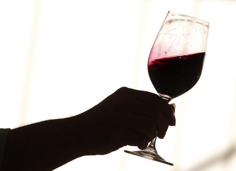 Полезно ли красное сухое вино для организма