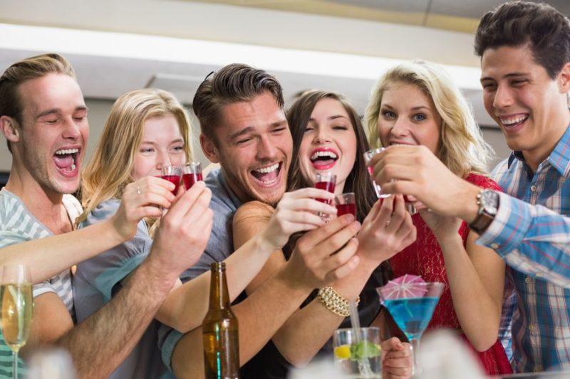 Друзья, употребляющие алкоголь