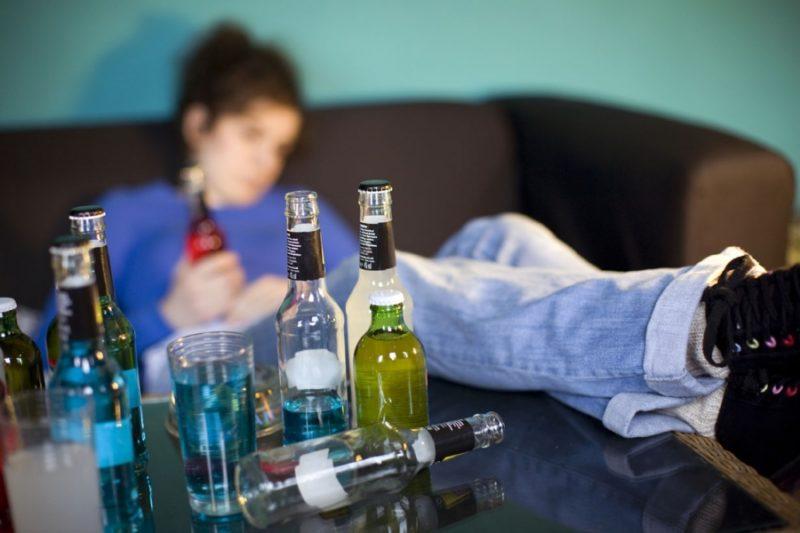 На фоне употребления алкоголя