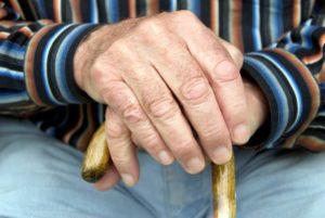 Причины симптомы и лечение тремора рук