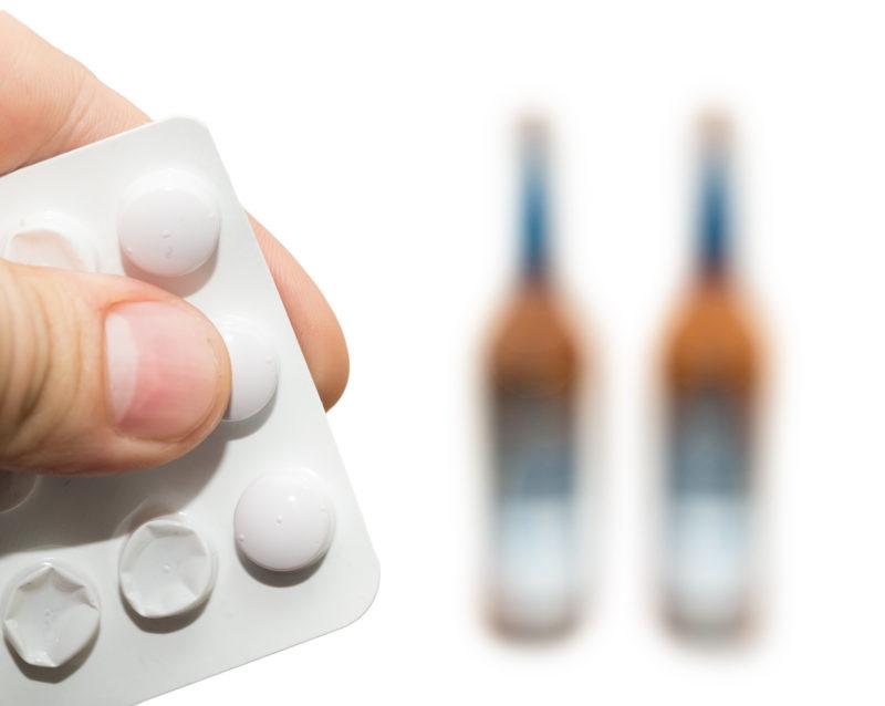 Янтарная кислота эффективней действует, если ее принимать перед приемом алкоголя