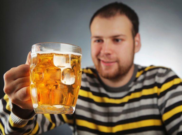 Чем опасно чрезмерное употребление пива?