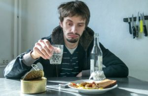 Как вывести человека из запоя в домашних