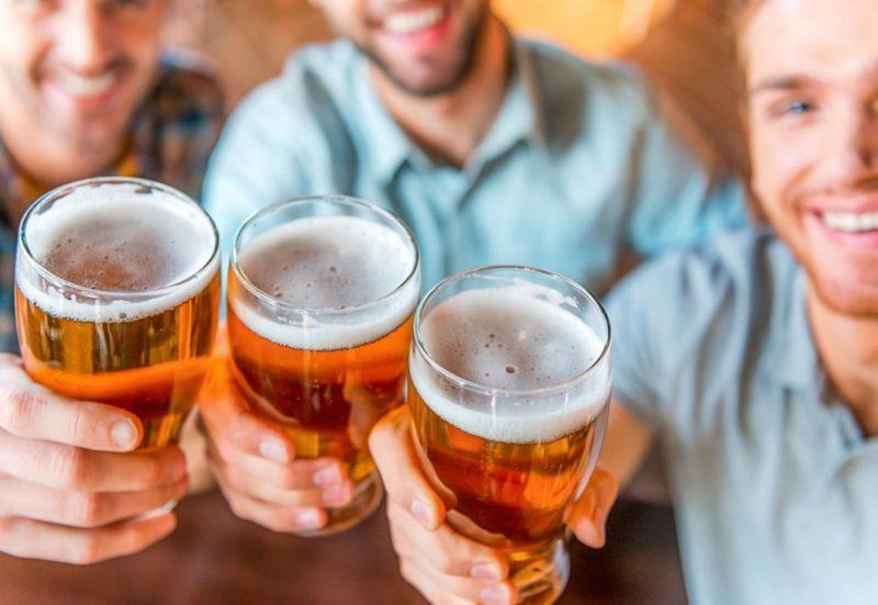 От чего человек пьет алкоголь: психология алкоголизма и его причины