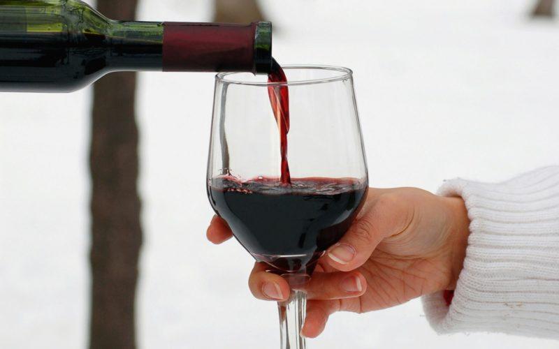 Полусухое белое вино польза